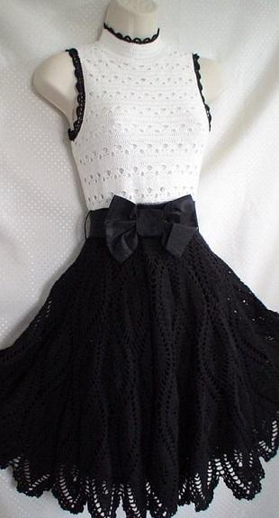 Черно-белое платье крючком
