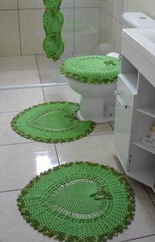 Коврик для ванной крючком