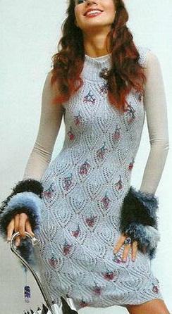 Вязанное спицами платье