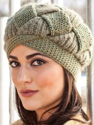 Красивая шапка спицами