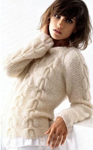Мохеровый свитер спицами